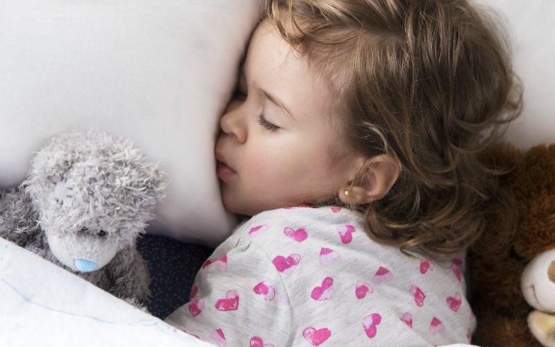 Kaip užmigdyti dvimetį vaiką?