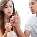 Europoje daugėja rūkančių paauglių
