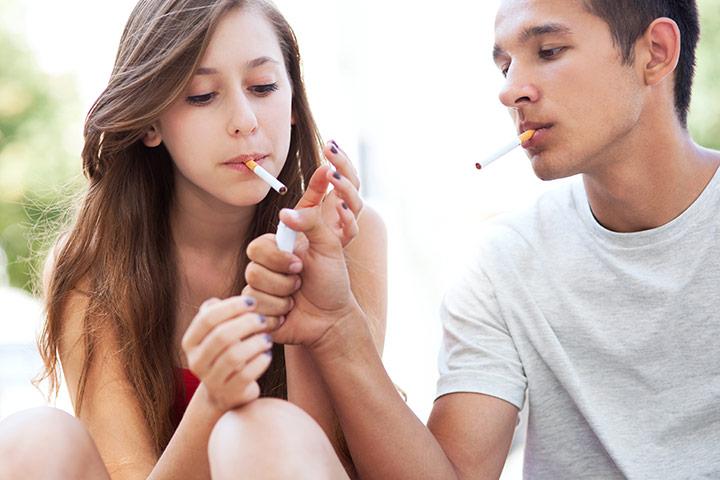 Rūkantys paaugliai