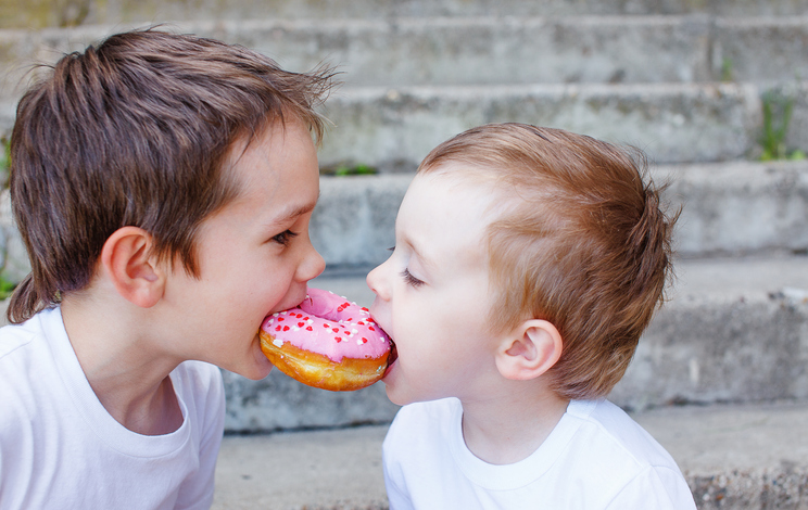 Kaip išmokyti vaiką dalintis?