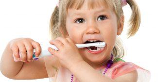 Vaiko dantukų valymas