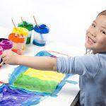 Vaikų piešiniai. Spalvų aiškinimas